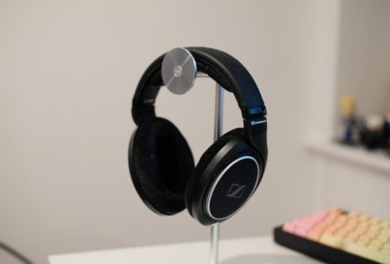 Anker earbuds charger - ROCCAT Khan Pro - headset Overview
