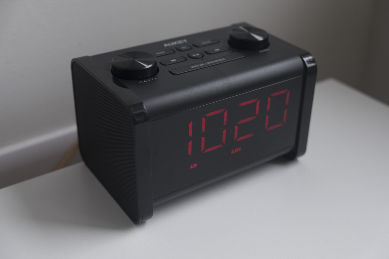 aukey alarm clock radio bluetooth speaker review. Black Bedroom Furniture Sets. Home Design Ideas